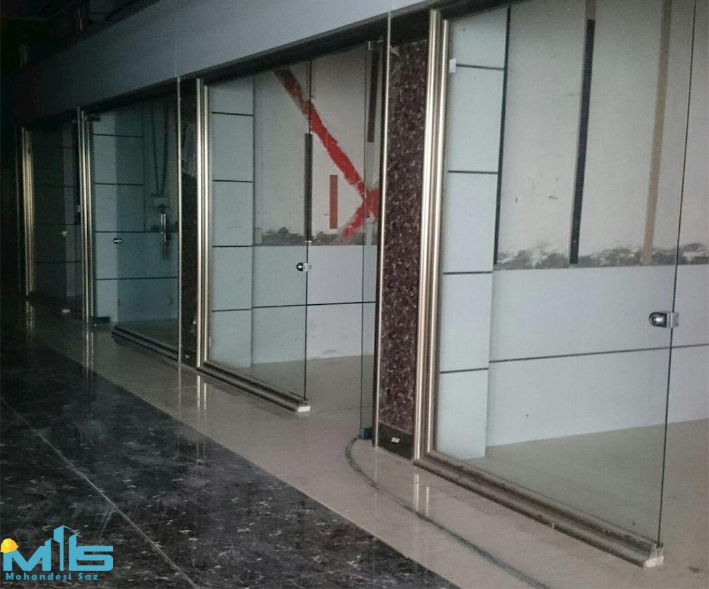 اجرای شیشه نمای مغازه