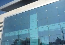 نصب شیشه اسپایدر
